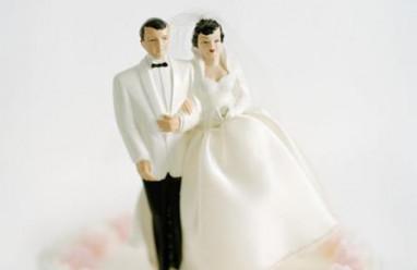 đơn ly hôn, đòi ly dị, mạng xã hội, tiền hôn nhân, lập kỉ lục, vợ chồng mới cưới
