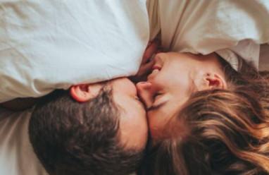 thăng hoa, lên đỉnh, cực khoái, quan hệ tình dục, dương vật, sức khỏe sinh sản, giả vờ, gợi tình