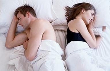 """dấu hiệu, cơ thể, thiếu """"chuyện ấy"""", khó ngủ, cô đơn, bất an"""