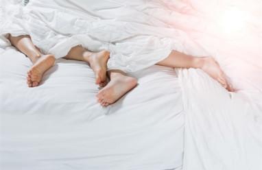 ngủ nude, chuyện ấy, ngủ khỏa thân, cua so tinh yeu