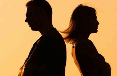 chồng ngoại tình, có con riêng, đánh chửi vợ con, không bỏ người tình