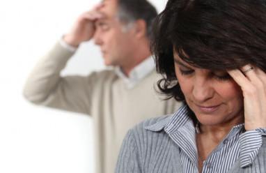 Không ngờ để chồng về nhà chăm cha lại là cái cớ để anh lao vào ngoại tình, cờ bạc