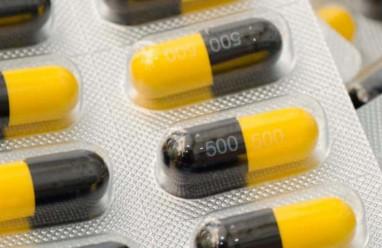 Thuốc tránh thai khẩn cấp có bị giảm tác dụng bởi Amoxicillin?