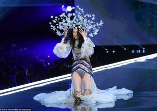 Victoria's Secret Fashion Show 2017, victorias secret fashion show 2017, ming xi, cua so tinh yeu