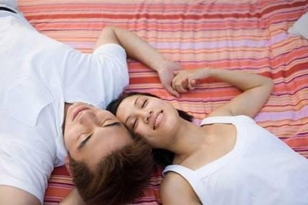 kích thước vòng 1, chuyện ấy, ngực nhỏ, chuyện chăn gối, chuyên gia, nam giới, cải thiện vòng một, đời sống tình dục