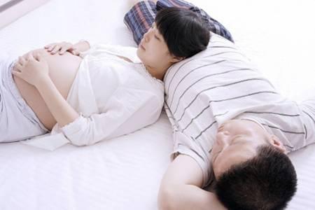 mang thai, sinh non, dạ con thấp, cuasotinhyeu, không quan hệ, khi mang thai, làm chuyện ấy