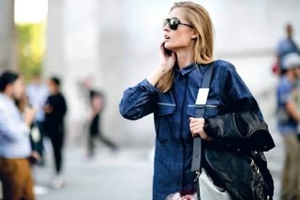 Các người mẫu và fashionista diện đồ denim trong Tuần lễ thời trang Paris Xuân-Hè 2014