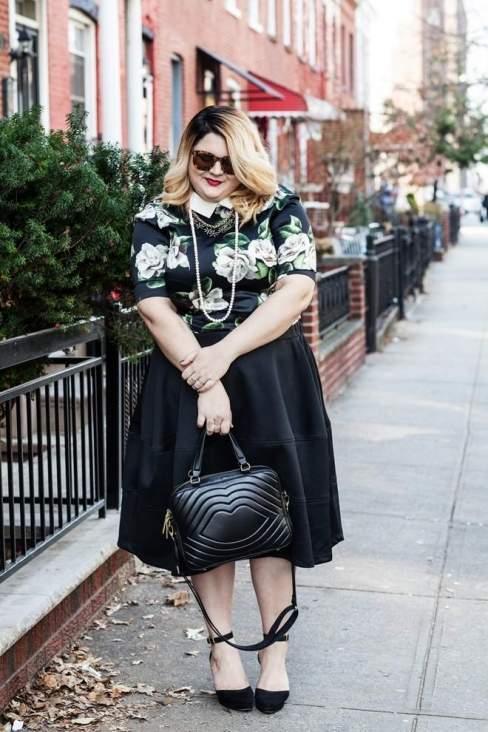 Xinh đẹp như một quý cô với váy midi và áo hoa văn điệu đà khi xuống phố.