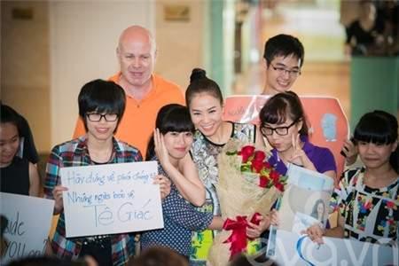 Thu Minh, vợ chồng, trêu đùa, ông xã, tháp tùng, sự nghiệp, âm nhạc, hạnh phúc, may mắn