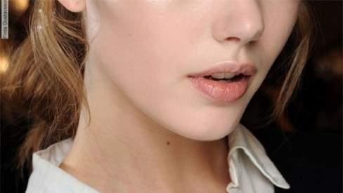 làn da, trang điểm, dưỡng ẩm, làm đẹp, makeup, tinh dầu, trạng thái cân bằng, da mịn màng
