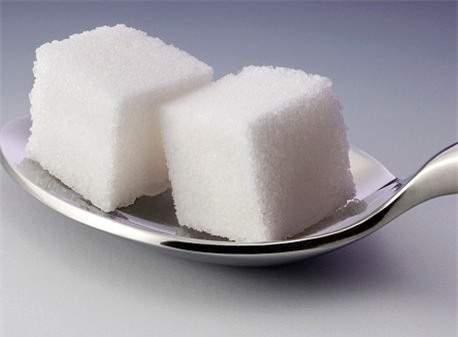 nội trợ, mẹo hay, bóc tỏi, chữa mặn, tránh tràn sữa, giữ rau tươi, làm sạch khay đá, nấu cơm, bữa ăn ngon