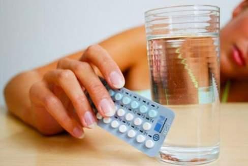 ngừng uống thuốc tránh thai, mụn trứng cá, rụng trứng, kinh nguyệt, thuốc tránh thai hàng ngày