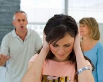 kết hôn, gia đình, công việc, điều kiện, làm xa, bố gia trưởng, vợ ương bướng, hiếu thắng, tâm sự, xin lỗi, đuổi ra khỏi nhà, hóa giải