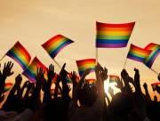 lgbt, đồng tính, chuyển giới, đồng giới, cặp đồng tính, ảnh cưới cặp đồng tính, tâm sự người đồng tính, phẫu thuật chuyển giới, gay, les, cua so tinh yẻu