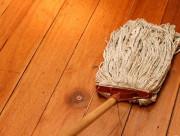 mẹo làm sạch sàn gỗ, mẹo vặt, lau sàn gỗ, cua so tinh yeu