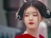 """Biểu cảm """"trở mặt"""" trong tích tắc của sao Hoa: Triệu Lộ Tư gây bất ngờ"""