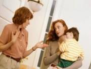 mẹ chồng nàng dâu, gia đình,đối xử,con dâu, bà nội đánh cháu, chăm sóc trẻ,tin tưởng