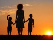 chồng nợ nần, về ngoại, sống xa nhau, muốn ly hôn, chồng cờ bạc
