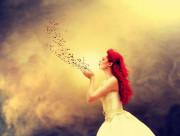 bị cô lập, bắt nạt, cô đơn, không ai tin tưởng, tưởng tượng cuộc sống tươi đẹp