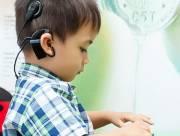 trẻ nghe kém, thính giác, cua so tinh yeu