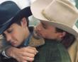 Chuyện đồng tính nam lấy vợ trên màn ảnh rộng: Bi kịch đáng thương hay đáng trách?