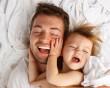 tinh trùng yếu, có con, chủ quan sức khỏe, ăn uống thiếu chất, lối sống, bệnh lý tinh hoàn, viêm nhiễm, điều trị bằng thuốc, điều trị thực thể, hỗ trợ sinh sản, phòng bệnh