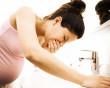 mang thai, ăn càng cua, nửa đêm, nóng ran trong bụng, muốn nôn, dị ứng, ảnh hưởng, cuasotinhyeu