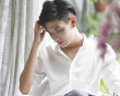 thích thầm, né tránh, xấu hổ, buồn phiền, khổ tâm, trai cong thich trai thẳng, không dám bầy tỏ,