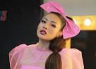 Yaya Trương Nhi, chi nhiều tiền lấn sân ca hát, cửa sổ tình yêu.