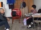 Bố mẹ 10 năm, sống ở toilet, nuôi 2 con ăn học, cửa sổ tình yêu.