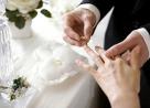 gia đình ngăn cản, xung khắc tuổi, vợ chết sớm, thuyết phục, kiên trì, yêu thương, niềm tin