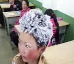 """""""Cậu bé băng tuyết"""", cảm động, hiếu học, cửa sổ tình yêu."""