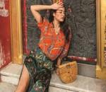 Á hậu Thái, diện bộ sưu tập, họa tiết khăn lụa, cửa sổ tình yêu.