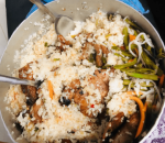 """Kiểu ăn cơm tấm """"hổ lốn"""" khiến dân mạng tranh cãi tơi bời: nhìn thì phát hoảng nhưng ăn ngon hơn vài lần?"""