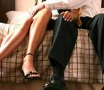 nghi ngờ tình cảm, vợ ngoại tình, tôn trọng, trao đổi, cân nhắc, chia sẻ