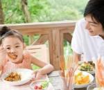 sức khỏe , trẻ em , ăn nhiều thịt khiến trẻ em bị lùn , làm mẹ