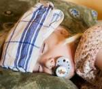 trẻ nhỏ, viêm họng cấp, biến chứng, họng của trẻ, trẻ nằm điều hòa, nhiễm lạnh, điều trị