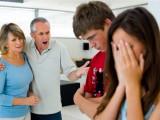lo lắng tình yêu, gia đình ngăn cản, phản đối tình yêu, mâu thuần gia đình, từ mặt con cái, lo lắng trước hôn nhân.