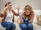 tuổi 18, căng thẳng thi cử, bị kìm kẹp, mẹ không thấu hiểu, chán chường