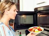 mẹo vặt trong bếp, lò vi sóng, sử dụng an toàn, đảm bảo sức khỏe