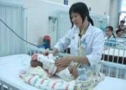 trẻ sơ sinh, viêm đường hô hấp trên, viêm phổi, ho, sốt, khó thở