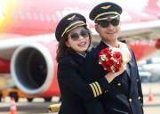 Ảnh cưới phi công , Chuyện tình trên mây ,cặp đôi phi công