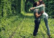 Thương  ,   Xa cách  ,   Tình yêu