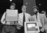 lich sử phát triển, Apple, phát triển thương hiệu