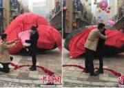 thiên thạch  ,   độc nhất vô nhị  ,   Trung Quốc  ,   tin nóng xã hội  ,   cầu hôn ,    vật chứng tình yêu