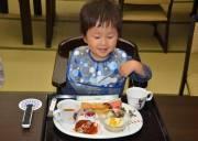 nuôi con, làm mẹ, cho con ăn, khó ăn, con lười ăn, trốn ăn, cách khắc phục