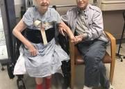 chuyện tình hiếm thấy, cụ ông 84 tuổi, cụ bà 82 tuổi, cua so tinh yeua