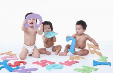 sự phát triển của trẻ, trẻ sơ sinh, chăm con, phát triển ngôn ngữ,