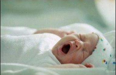trẻ sơ sinh, phản xạ của trẻ sơ sinh, thay đổi của trẻ sơ sinh, phản xạ tự nhiên, giấc ngủ của trẻ sơ sinh, thần kinh của trẻ sơ sinh, trẻ 1 tháng tuổi, tăng trưởng trong tháng đầu