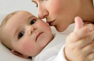 viêm amidan ở trẻ, chăm sóc trẻ bị viêm amidan, nguyên nhân viêm amidan, biến chứng viêm amidan ở trẻ, phương pháp điều trị viêm amidan ở tẻ.